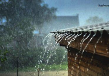 Nằm mơ thấy mưa to dột vào nhà là điềm gì, đánh đề con gì?