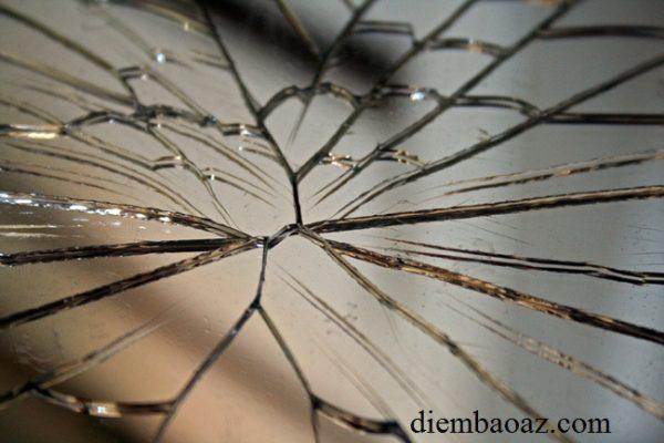 Đầu tháng bị bể kiếng, bể gương có xui xẻo không?