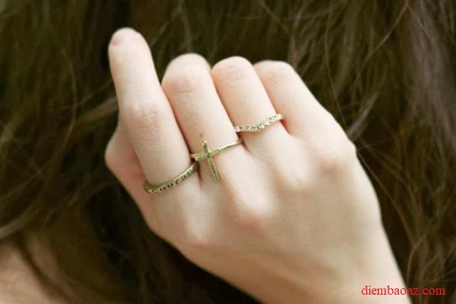 Nên đeo nhẫn ngón tay nào mang lại may mắn sức khỏe và tình duyên