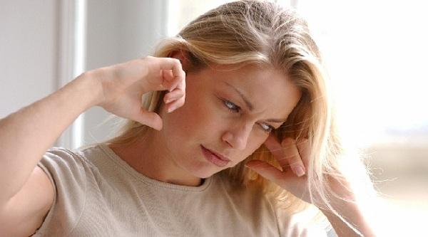 Ù tai trái, tai phải có điềm báo gì, hên hay xui ?